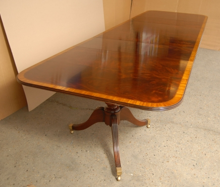 16 m anglais Regency Pedestal Dining Table Tables Diner