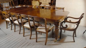9 ft anglais victorien Dining Table & 10 Chaises Régence