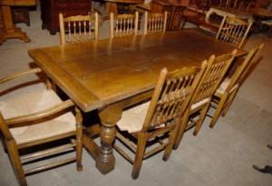 Abbaye anglais rustique Réfectoire Table & 8 Président Spindleback Set