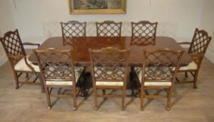 Anglais Chippendale en acajou Table & gothique Dining Set président