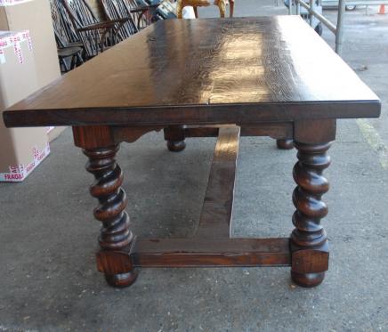 Anglais Rustique Table réfectoire avec de l'orge Twist Jambes