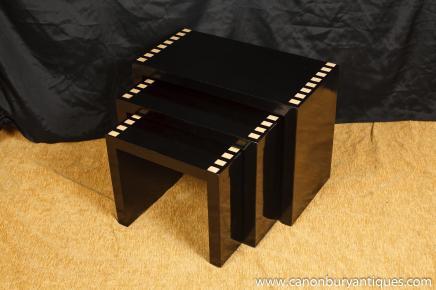 Art Déco Laque Nest Tables Table d'appoint