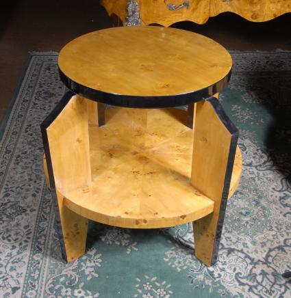 Art déco français Blonde Noyer Side Table Biedermeier