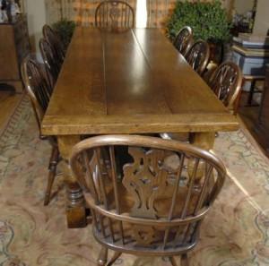 Chêne pédonculé Réfectoire Table & 8 Windsor président Dining Set