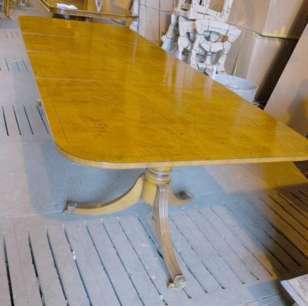 Dix pied Biedermeier Table extensible à manger
