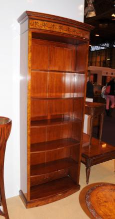 Grand Regency Sheraton Bibliothèque ouverte en ronce de noyer Bibliothèques