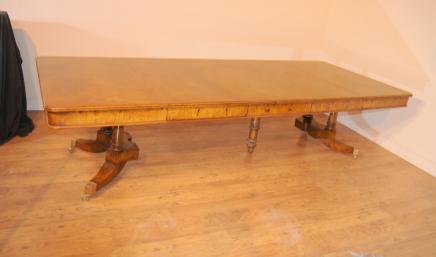 Noyer Regency Table extensible à manger de Split base