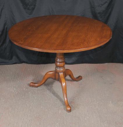Oak Table ronde à manger Tilt Top Ferme