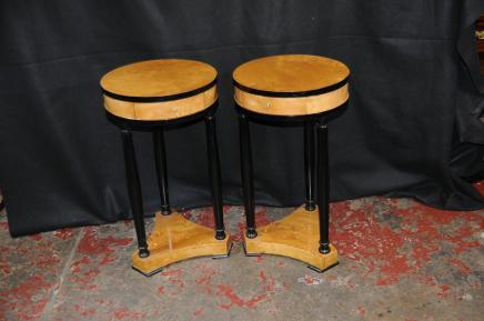 Paire Art déco Biedermeier Tables d'appoint Table basse Meubles