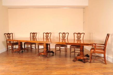 Tableaux 14 m Noyer Regency 3 Ped Dining Table Bullock base
