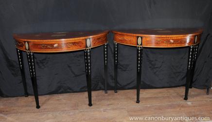 Tables paire Regency Sheraton Demi Lune Console de traits peints