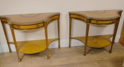 Tables paire Sheraton Regency marqueterie Console Demi Lune