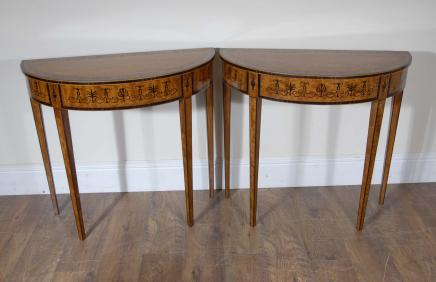 Tables paire anglais Regency Satinwood Inlay console