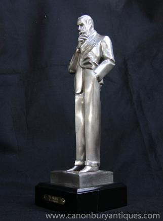 Art Déco Bronze The Smoker Homme Statue par JC Leyendecker