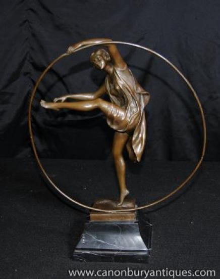 Art Déco Statue en bronze danse du cerceau Fille Signé Godard français Figurine