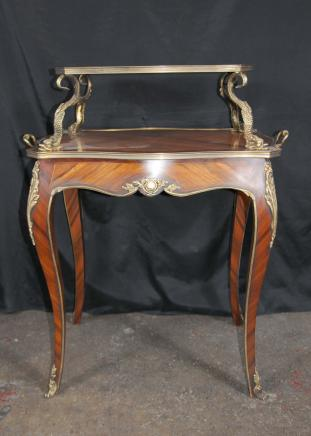 Français Louis XV Tier Console Table Occassional Etagere