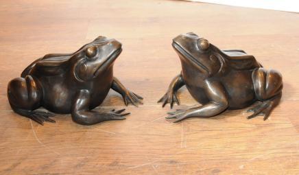 Paire Anglais Bronze grenouilles crapauds Statue casting