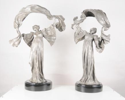 Paire Art Nouveau Bronze Lampes de table Figurine par Loïe Fuller