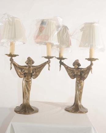 Paire Art Nouveau français figurine en bronze lampes de table Lumières