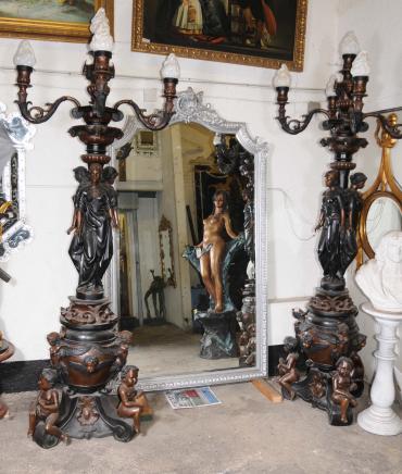 Paire XL Bronze Lampes Maiden Candélabres torchères architecturaux
