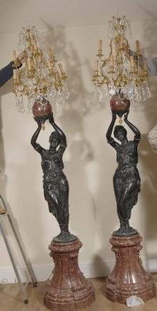 Paire de 9 pieds italienne Femme Nègre Candélabres torchères