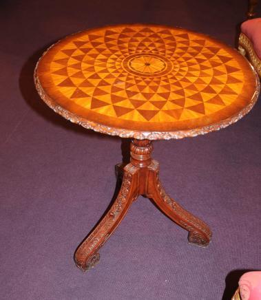 Regency Spyrograph Tables basses Table d'appoint de fin de marqueterie