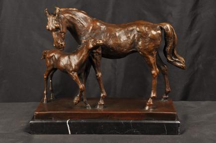 Statue en bronze Mare Poulain Cheval Mère Enfant