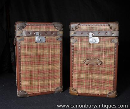 Tables paire bagages Box Tartan Trunks Café secondaires
