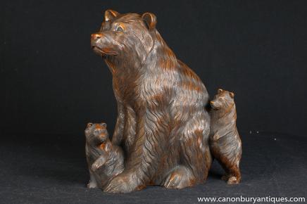 Allemande de la Forêt Noire sculpté à la main Bear Family Cubs Statue