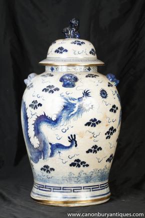 Bleu Kangxi chinois et Blanc Porcelaine Urne pot de gingembre