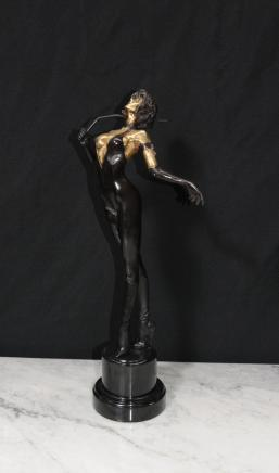 Français Bronze Dominatrix Lady Erotica Mlle Whiplash Art