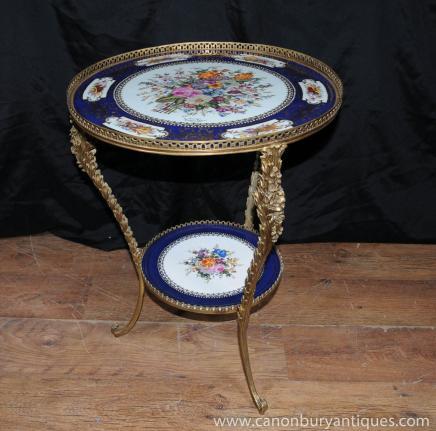 Français porcelaine de Sèvres Table d'appoint Ormolu Signé Plaque