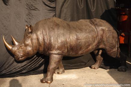 Lifeisize Bronze Rhino Rhinoceros Statue Animaux architecturauxLifeisize Bronze Rhino Rhinoceros Statue Animaux architecturaux