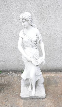 Lifesize marbre italien sculpté Maiden Rossi
