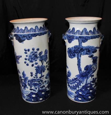 Paire Bleu Blanc Porcelaine chinoise parapluies Urnes Vases Nankin