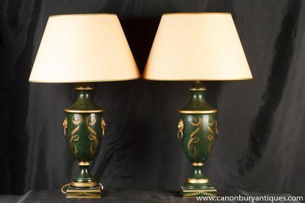 Paire Empire français Lampes de table en porcelaine Amphora Urne Lumières