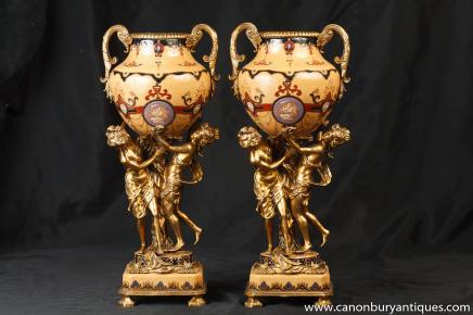 Paire Empire français Ormolu Maiden Urnes Compotiers Vases