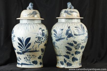 Paire Kangxi porcelaine à couvercle Ginger Urnes Jars Bleu Blanc Poterie