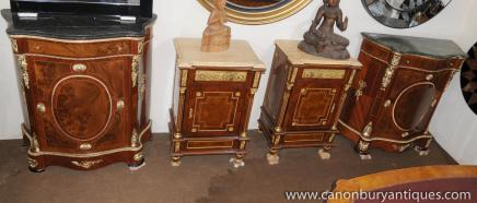 Paire Louis XV bahuts Serpentine buffets Armoires