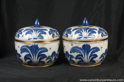Paire Qianlong Blanc Bleu porcelaine à couvercle Pots Urnes poterie chinoise