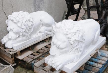 Paire XL marbre couché Lions Lion Animaux Sculpté à la main Statue