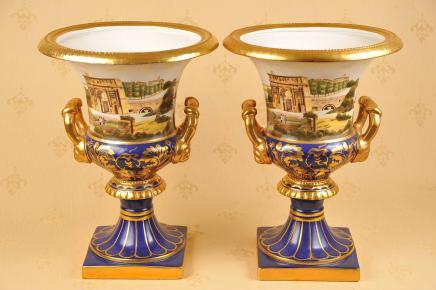 Peint paire Dresde allemand Porcelaine classique Urnes main