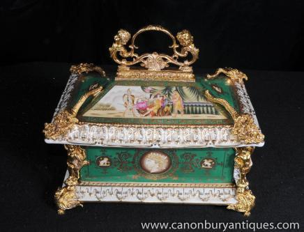 Porcelaine de Sèvres Pagode Coffret à bijoux Coffret cas français doré au mercure