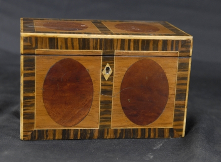Régence anglaise Inlay Tea Caddy Box Satinwood