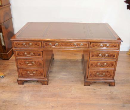 Regency piédestal bureau Noyer Table d'écriture