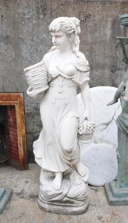 Sculpté à la main en marbre italien Maiden Femme Statue