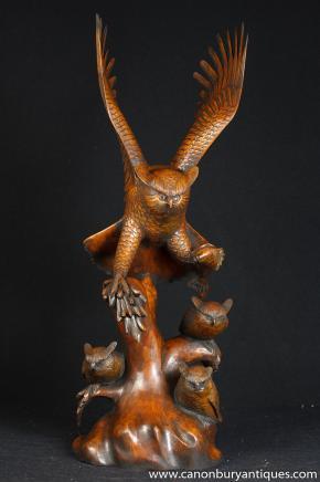 Sculpté à la main rustique victorienne Barn Owl Owlets famille des oiseaux de Prey
