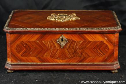 Antique Empire français Wooden Box Kingwood Circa 1880 à bijoux