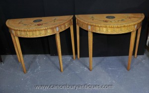 Tables Pair Sheraton console Peintes Satinwood Table classique