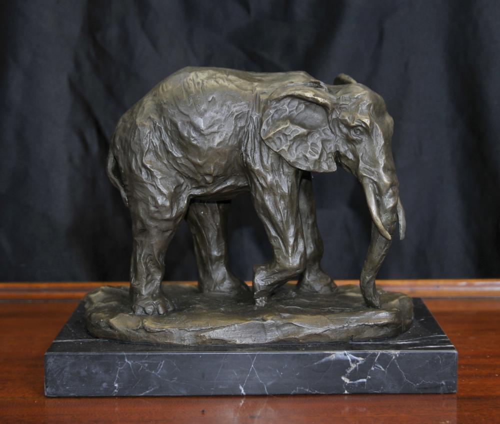Bronze Éléphant d'Afrique Statue Animaux Castings éléphants Art Tribal